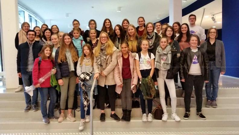 Exkursion ins Labor des Deutschen Zentrums für Luft - und Raumfahrt in Lampoldshausen