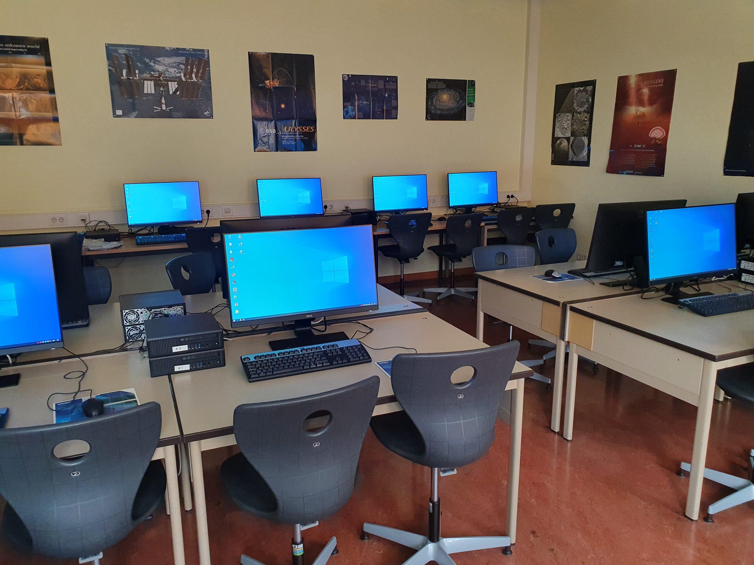 Neue Monitore für den Informatikunterricht